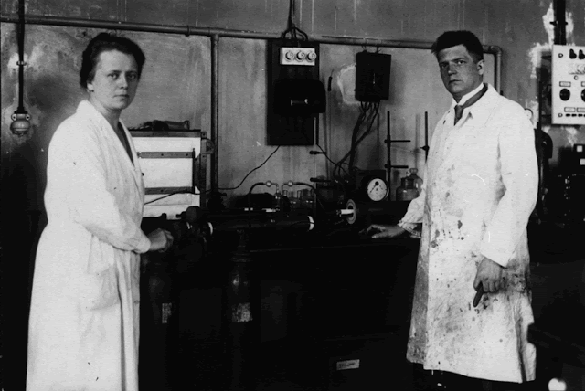 Ida and Walter in laboratory